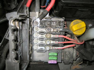 BurntFuseBox ford galaxy 07 ignition problem hotukdeals ford galaxy fuse box location at bakdesigns.co